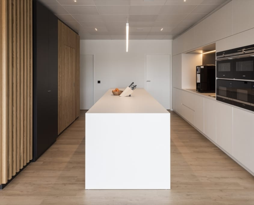 Decorative and acoustic wall solution for kitchen environment x-wift