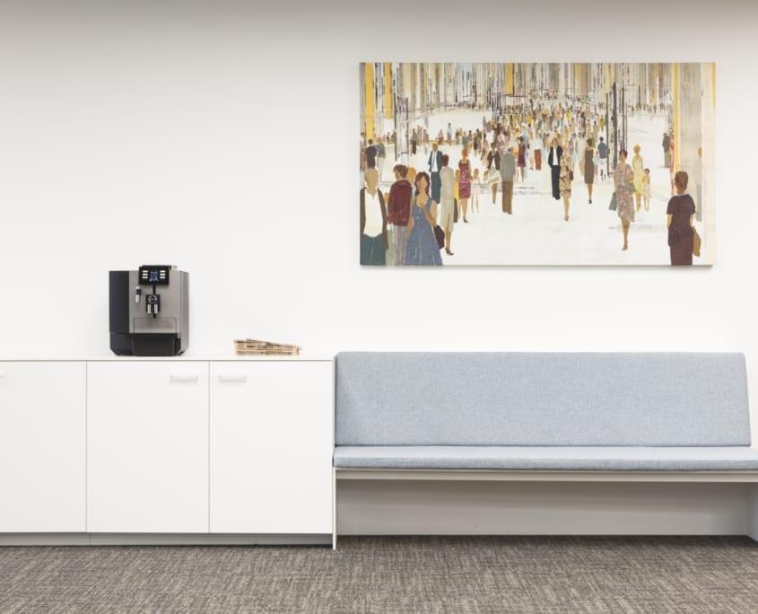 Panneau acoustique personnalisé dans un espace de bureau élégant