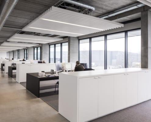 Un plafond PETAC® système de bureaux chez Ragolle