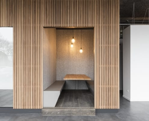 An acoustic wall and open pod for Barbecook's modern office