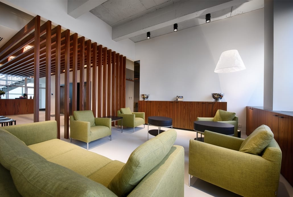 Claustra wall finished with veneer for the Metis Advocaten office